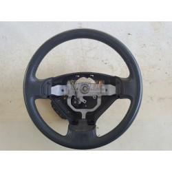 Suzuki Liana. Volante con mandos