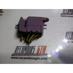 Ford Fiesta. Clema interruptor limpia y agua trasero